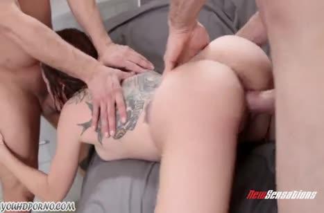 Мужики довели телочку двойным трахом до суперского оргазма #3