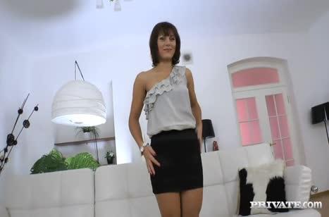 Galina Galkina принимает в сочную попку большой кукан