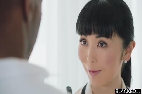 Marica Hase устроила порно свидание с негром