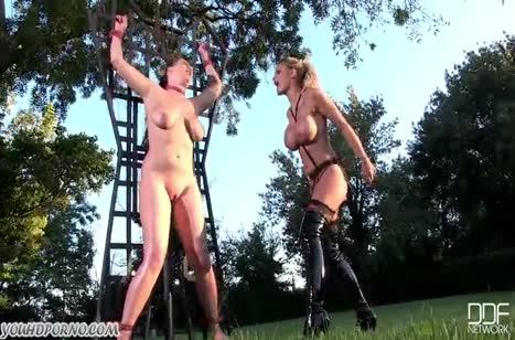Грудастая госпожа издевается над рабыней на природе #4