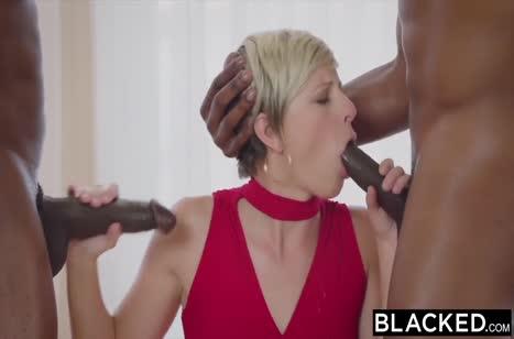 Блондинку Makenna Blue развели на жесткую групповуху #2