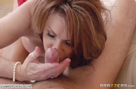 Зрелая дамочка решила повторить как в порнухе #4