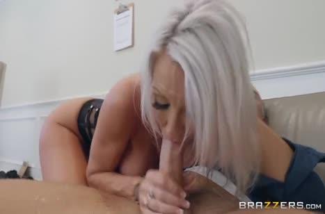 Emma Starr отдалась начальнику охраны на секс обыск #5