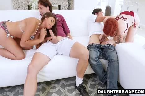 Девочки с большими буферами не против групповушки с самцами #4