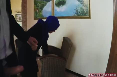 Ради денег мусульманская уборщица готова потрахаться #2