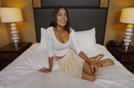Фигуристую секси латиночку задрюкали до стонов в отеле