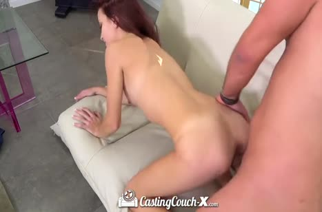 Молодая красивая девушка согласилась на порно кастинг #6