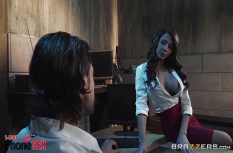 Madison Ivy с шикарными сиськами послали соблазнять чувака #3