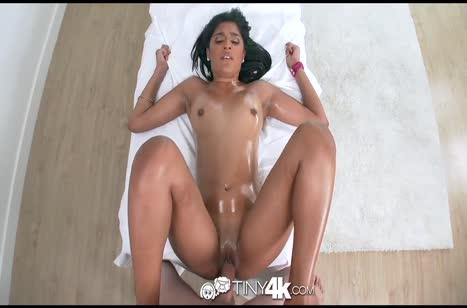 Жопастую Katalina Mills чпокают от первого лица на массаже #6