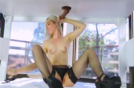Массажистка Niki Snow одела секс костюм и пациент не устоял #5