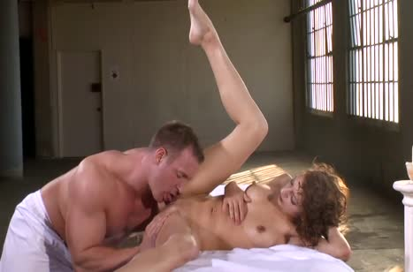 Аппетитная попка Lexi Bloom завела массажиста на порно #5