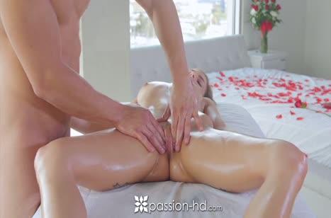 Sydney Cole возбудилась на порно после нежного массажа #4