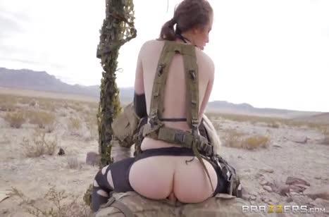 Одноглазый солдат показал развратной Casey Calvert жесткое порно #4
