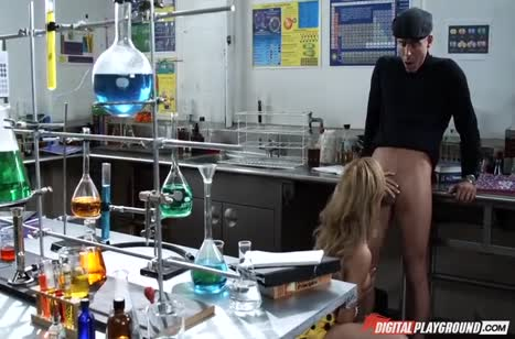 Настойчивая Angelina Armani сама завела мужика на порно #3
