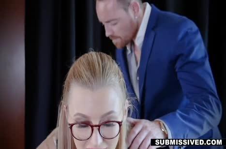 Сотрудницу Alexa Grace наказали на работе сексом #2