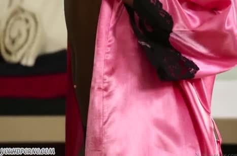 Темнокожая парочка практикует романтичный порно массаж #1