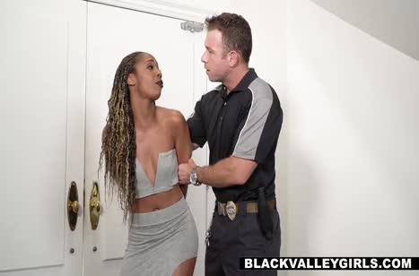 Жесткое БДСМ порно Misty Stone с белым здоровяком #3