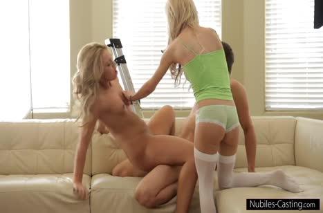 Две блондинки снимают групповой секс на камеру #4