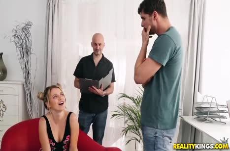 Чувак испытывает Mary Kalisy на должность секретутки #2