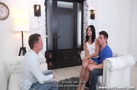 Парень согласился поменять свою девушку ради долга