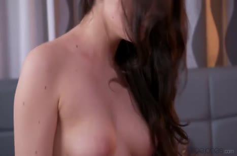 Русская модель Francesca Dicaprio скачет верхом на пенисе #5