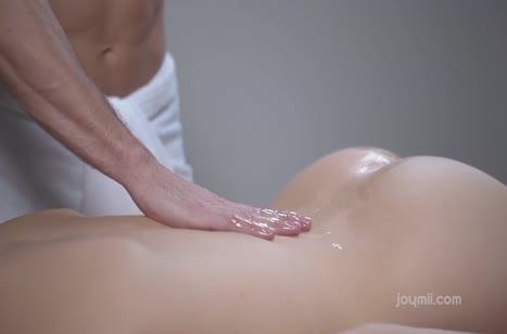 Молодую Alecia Fox возбудил на секс опытный массажист #2