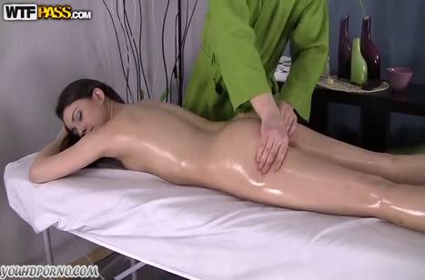 Молодая русская девушка дала мужику на массаже #3
