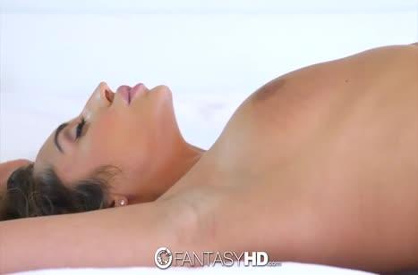 Christiana Cinn испытала офигенное порно с вибратором и с членом