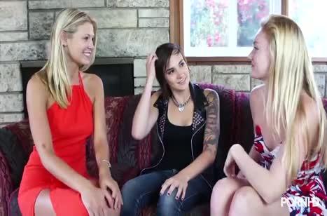 Три подружки показали как они умеют делать кунилингус