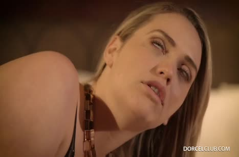 Mia Malkova в сексуальном белье принимает хер в попу и в писю #5