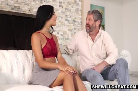 Gina Valentina договорилась на жесткий секс с негром #1