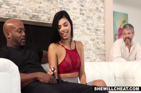 Gina Valentina договорилась на жесткий секс с негром #3