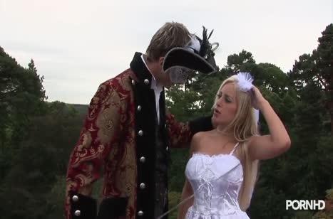 Зрелую блондинку Savannah Gold красиво чпокнули на природе