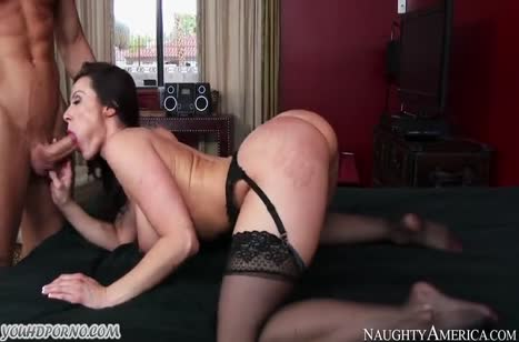 Красотка Kendra Lust нашла себе трахаря помоложе #6