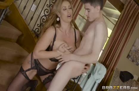 Зрелая мамаша Eva Notty соблазнила на порно молодого #3